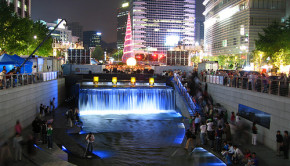 Seoul stream daylighted and turned into a beautiful public space