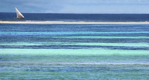 Ocean's Top Layer Retains 80-90% of Global Heat Rise
